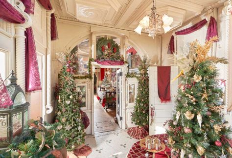 Christmastime in the Breakfast Room